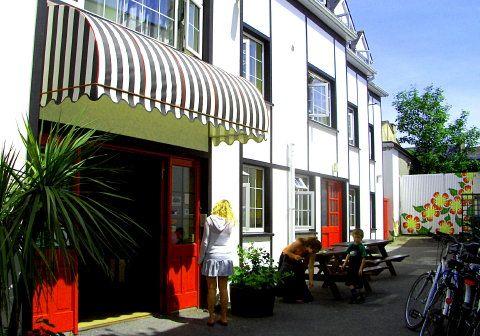 Neptunes Town Hostel - 0