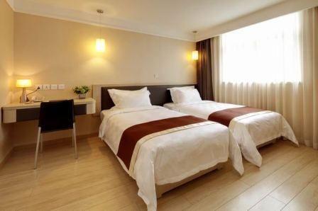 Ole London Hotel - 0