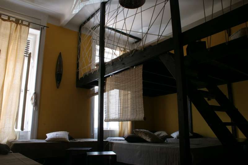 Aventura Boutique Hostel and Apartments - 1