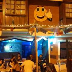 HAPPY HAPPY HOSTEL BAR