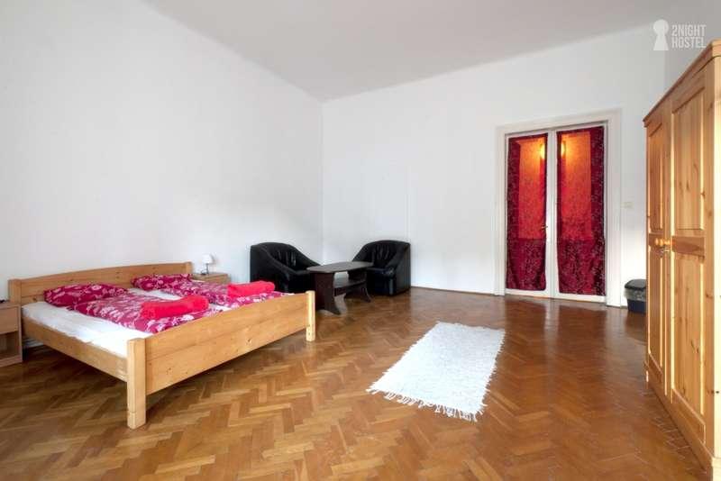 2night Hostel - 2