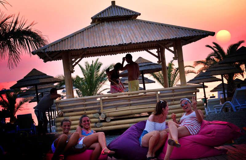 Ondaroad Beach Hostel - 2