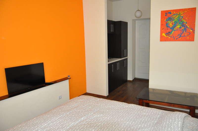 Orange Apartments - 0