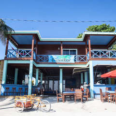 Sandbar Beachfront Hostel and Restaurant