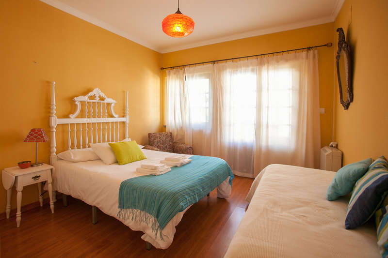 Ericeira Chill Hill Hostel & Private Rooms - Peach Garden - 0