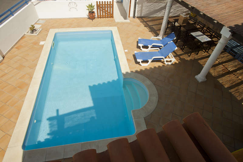 Ericeira Chill Hill Hostel & Private Rooms - Sea Food - 0