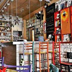 Varad Inn Boutique Hostel and Cafe