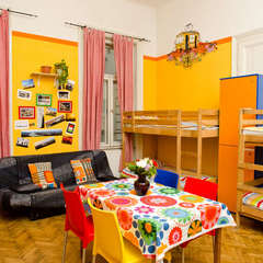 Colors Hostel & Apartment