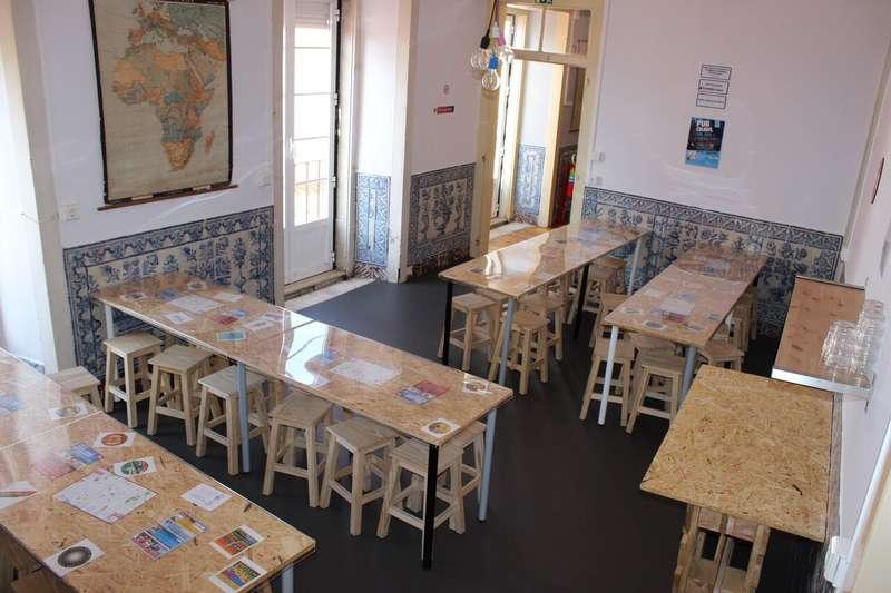 Hub New Lisbon Hostel - 2