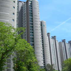 Ricenz Condominium Tower