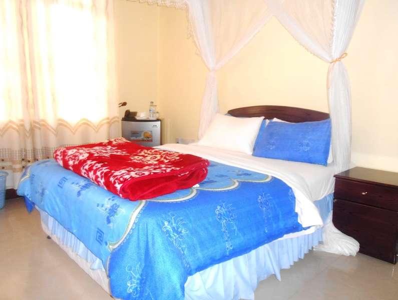 LENNY HOTEL - 2