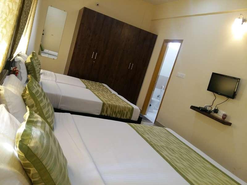 Comforts Hostel - 1
