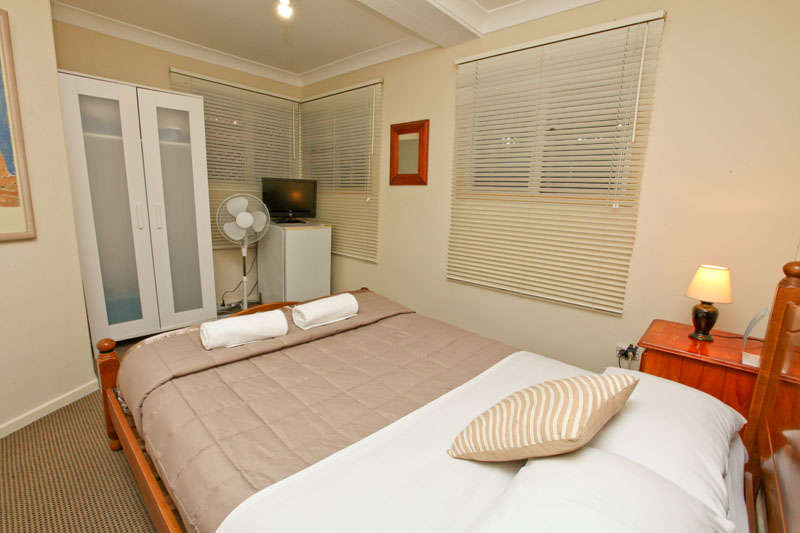 Bowen Terrace Accommodation  - 2