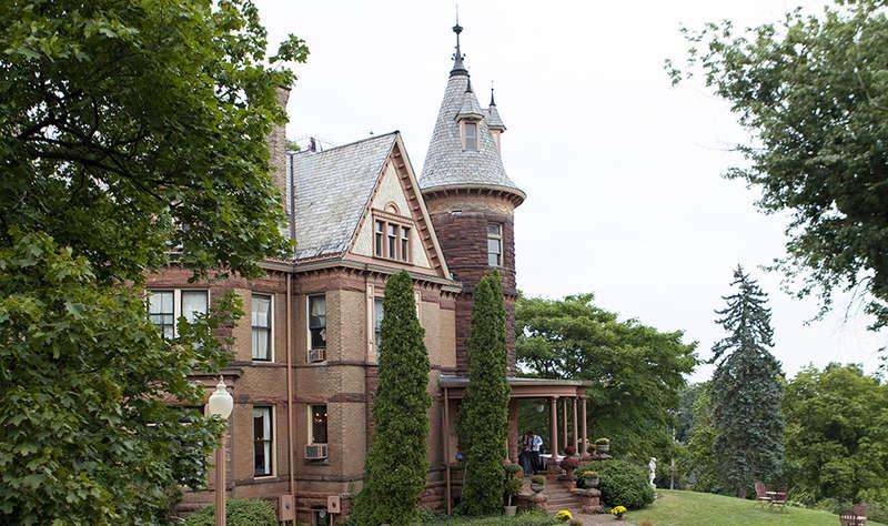 Henderson Castle Inn - 0