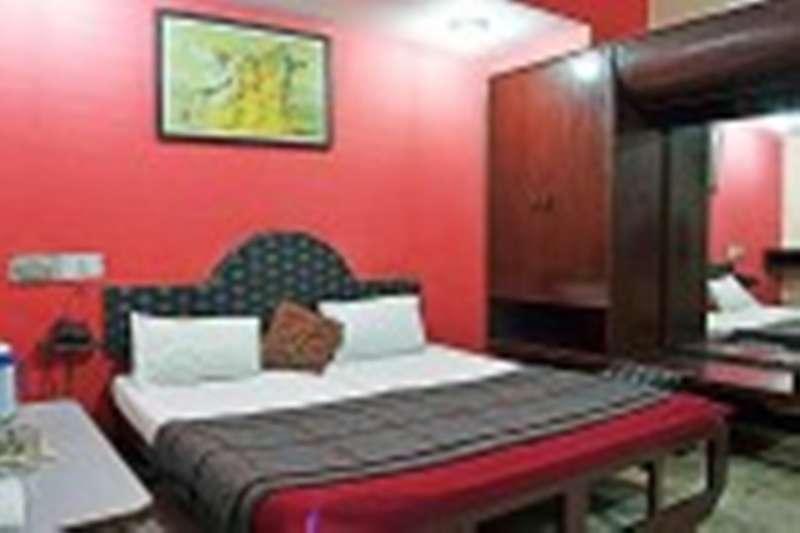 Hotel Aditya Palace - 0
