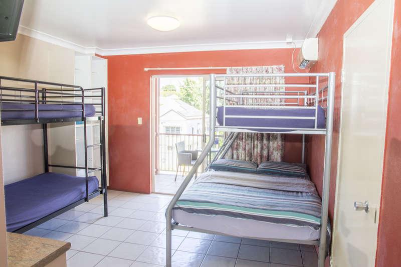 Brisbane Backpackers Resort - 2