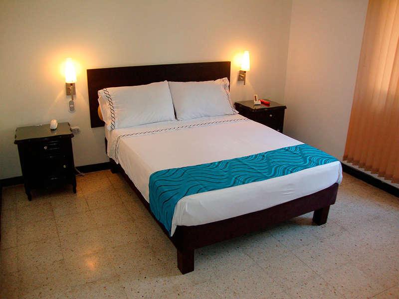 Granada Inn Hotel - 0