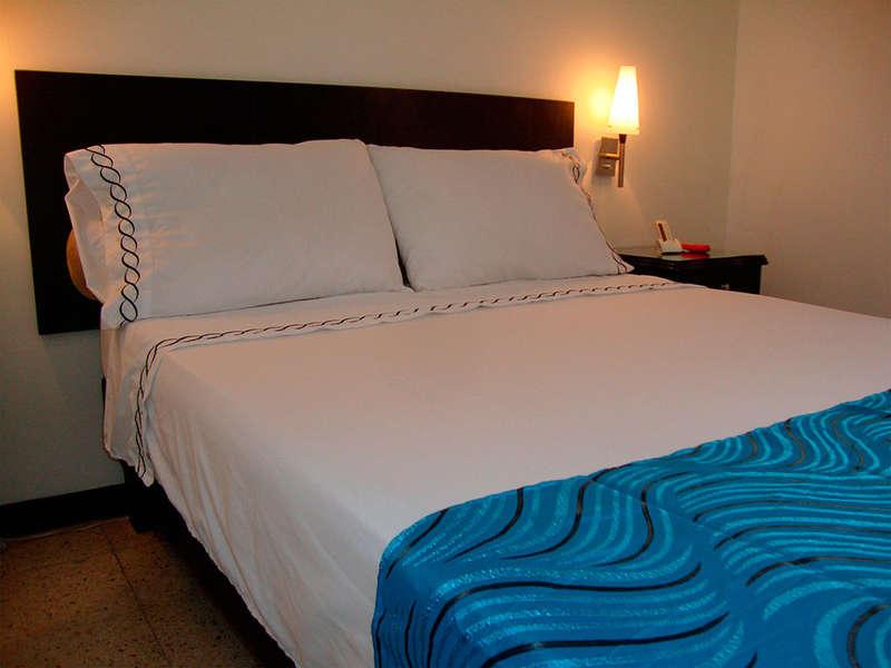 Granada Inn Hotel - 1