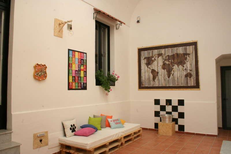 Urban Oasis Hostel - 2