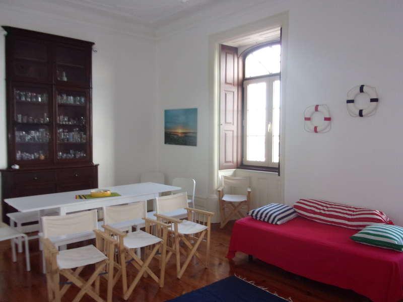 Hostel 402 - 2