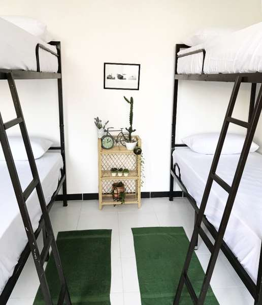 Bed and Bicycle Hostel - 2