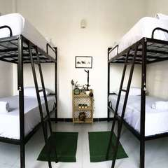 Bed and Bicycle Hostel