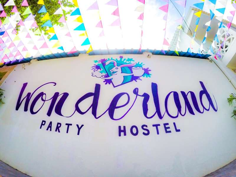 Wonderland Party Hostel - 0