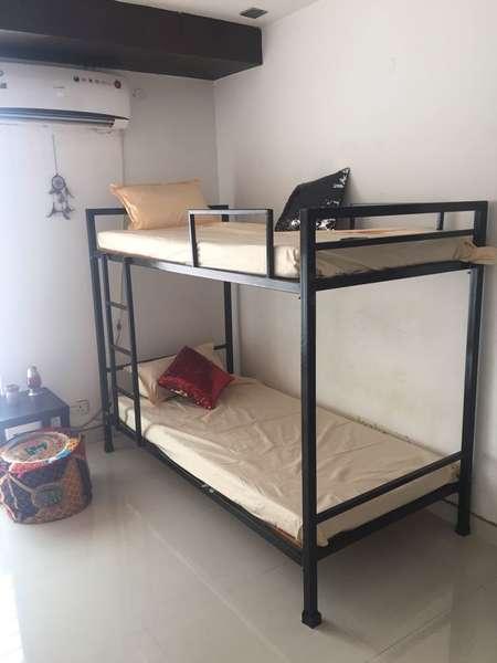 Delhi Tales (Hostel) - 1